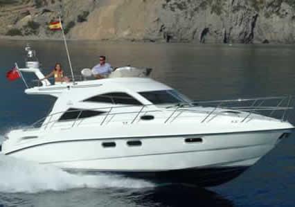 Bateau de plaisance yacht